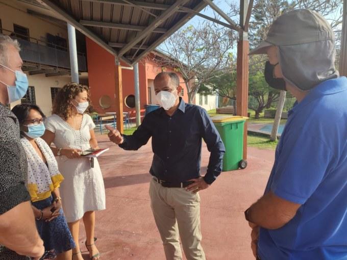 Le Maire, Emmanuel SÉRAPHIN, en visite à l'école Évenor-LUCAS